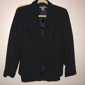 Ann Taylor Petites Sz4P Black Suit w/Pin Stripes